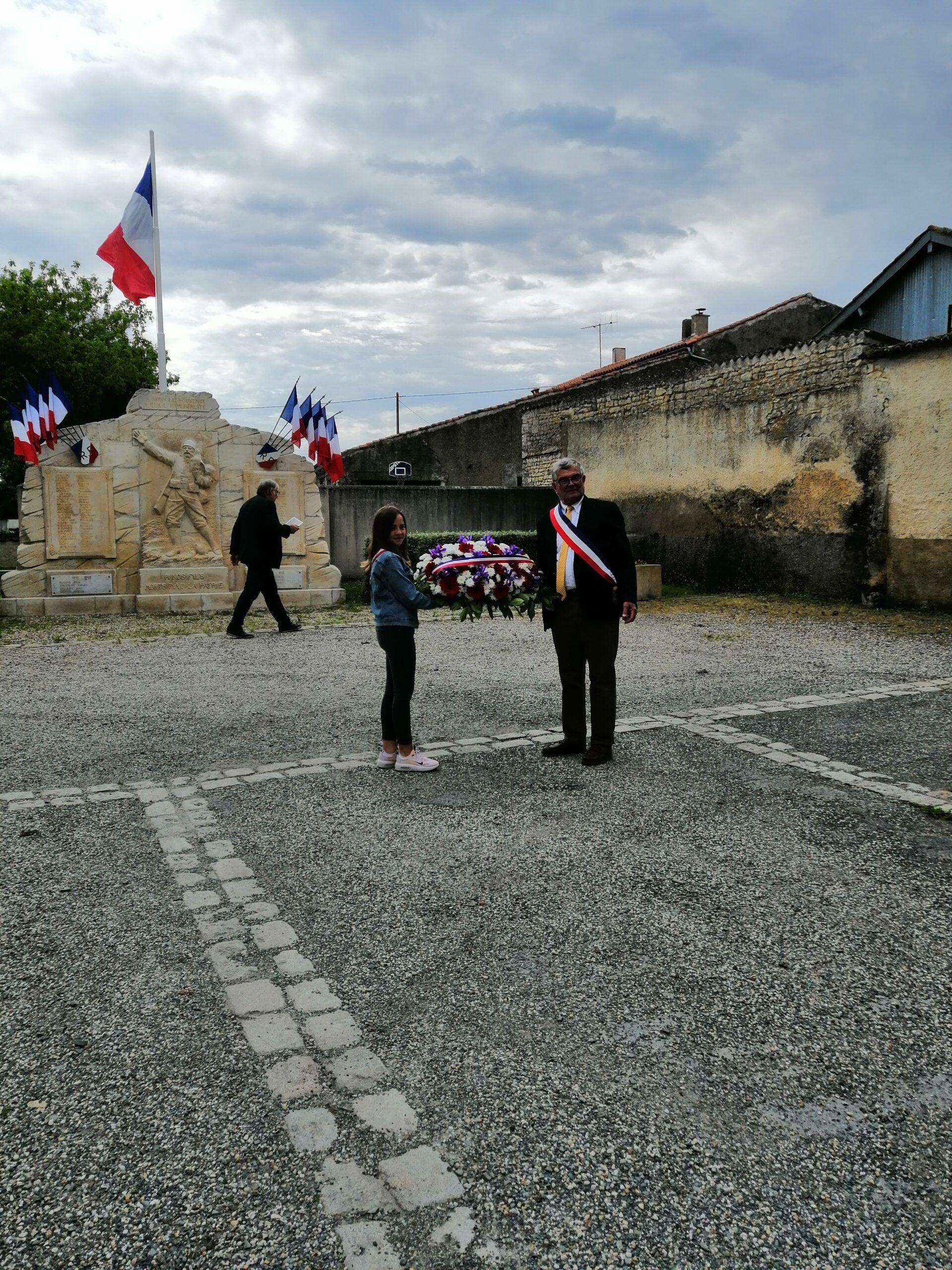 Cérémonie armistice 8 mai 2021 Jean Gorioux et drapeaux