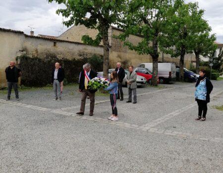 Cérémonie armistice 8 mai 2021 mairie avec fleurs